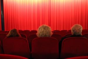 Styrelsen tittar på film