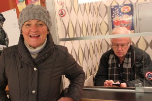 Ordförande Ewa och Kurt i luckan.